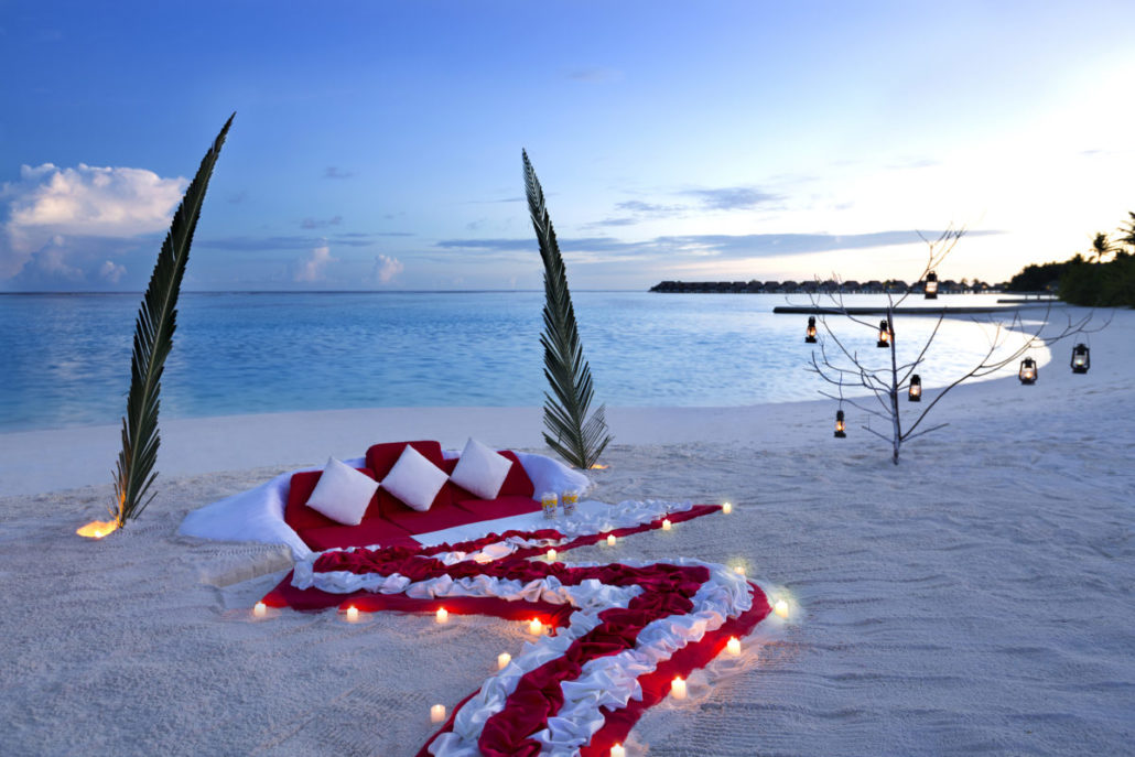 Maldives - Dinner On The Beach - courtesy Paper & Diamond