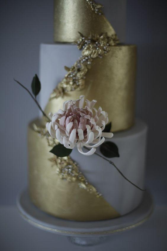 Sugar chrysanthemum wedding cake - via victoriamade.com
