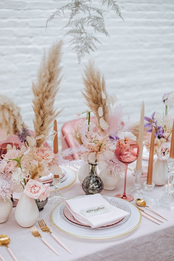 Gorgeous Wedding Decor Ideas With Pampas Grass By Bride