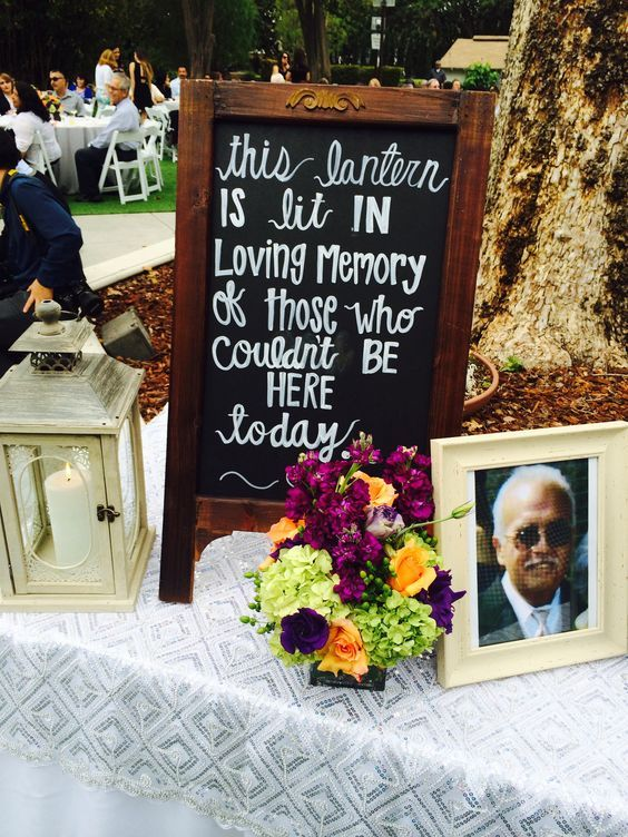 wedding memorial display - via dearpearlflowers.com