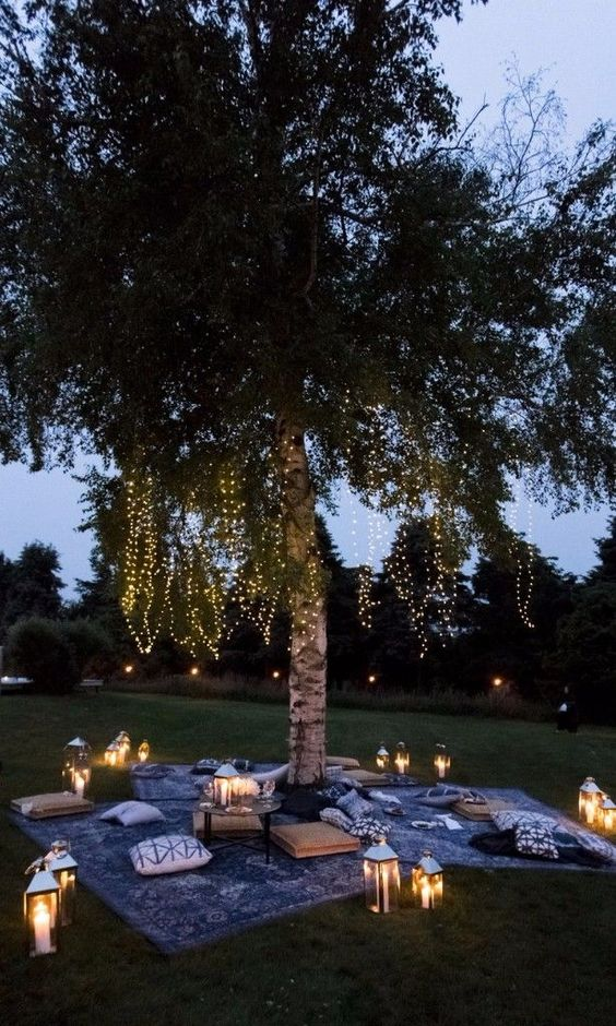 Outdoor Wedding Lounge Ideas - via brides.com