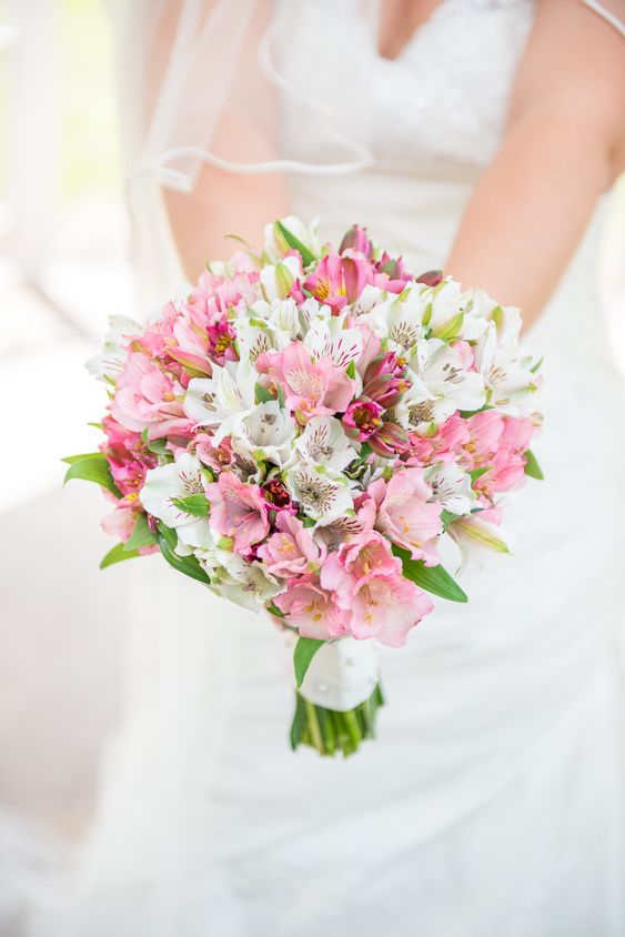 alstroemeria wedding bouquet - via stylemepretty.com