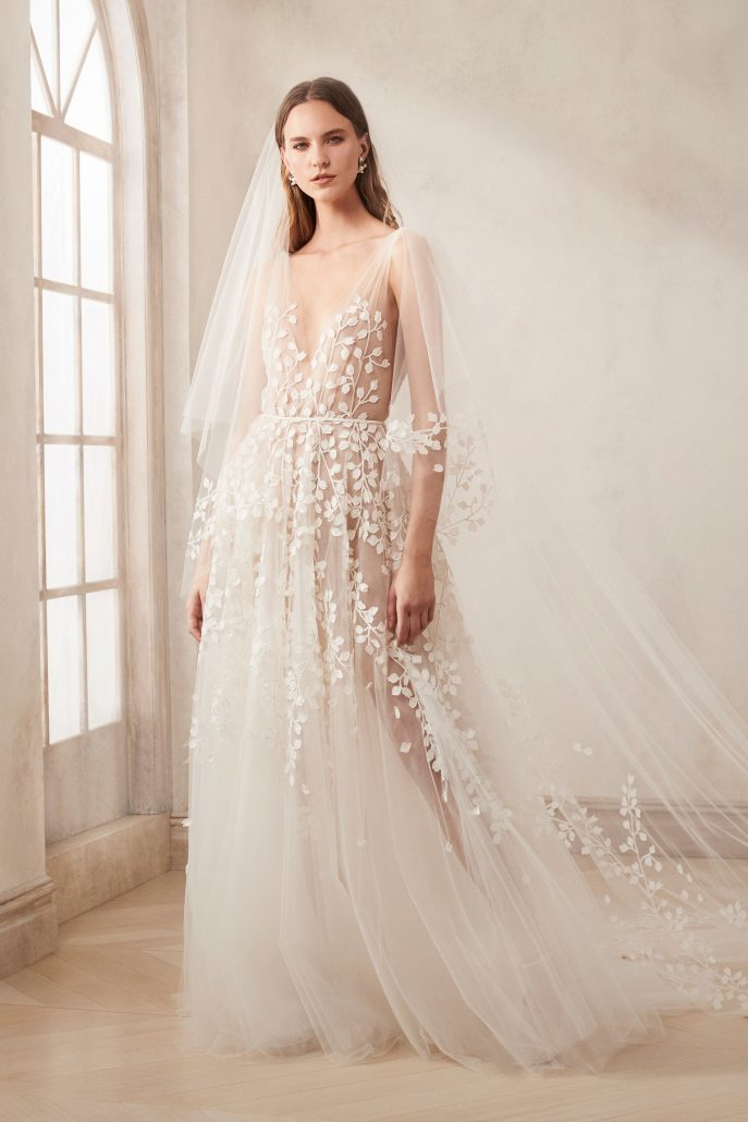 Oscar de la Renta - Bridal Fall 2020 - via vogue.com