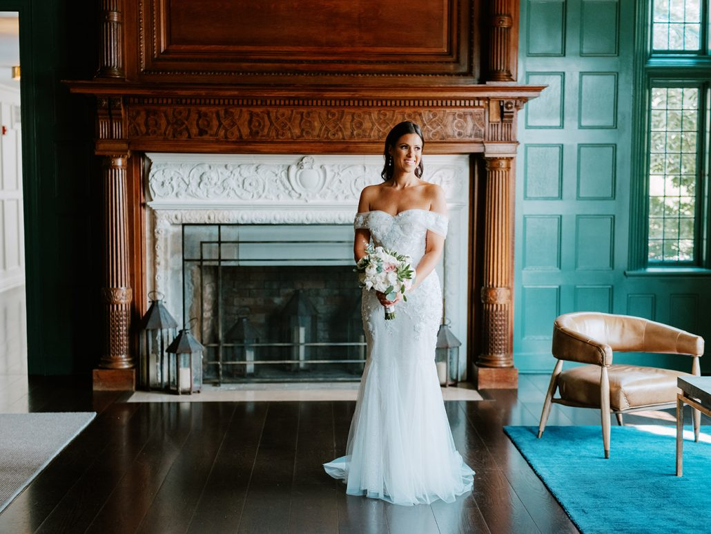 Lauren & Lou Wedding - Bridal Portait Brides Bouquet - Natirar - Pat Furey Photography