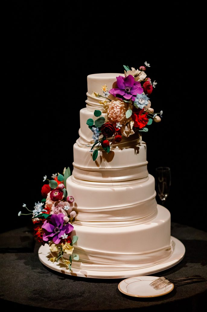 Stefanie and Mike Wedding - Wedding Cake - Gotham Hall - Emma Cleary Photography
