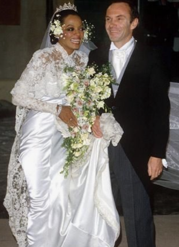 Diana Ross Wedding Bouquet - via munaluchbride.com