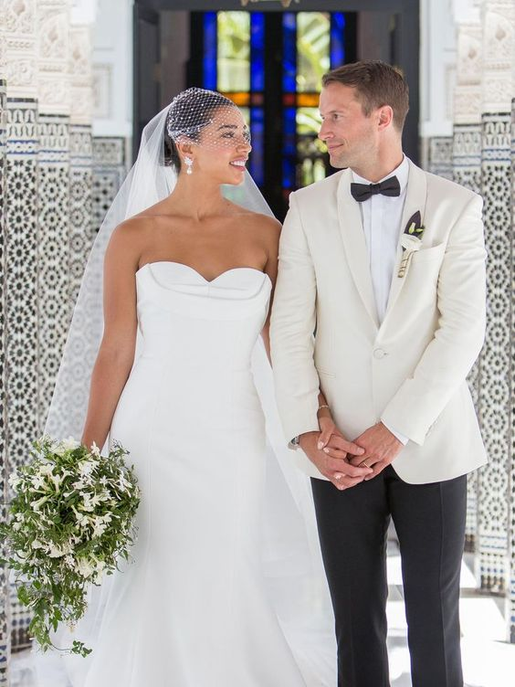 Hannah Bronfman Wedding Bouquet - via brides.com