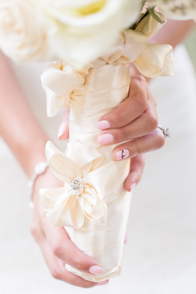 Lindsay & Billy Wedding - bridal bouquet - Essex House - Charlie Juliet Photography