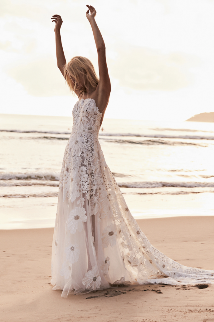 Bridal Designer - Suzanne Harward Wedding Dress - via suzanneharward.com